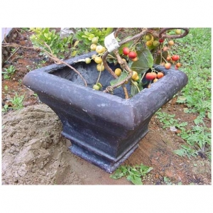 square resin garden planter
